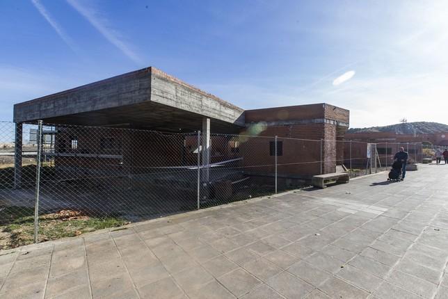 Las obras del centro de salud de Santa Bárbara se reanudaron a finales de 2018.  David Pérez