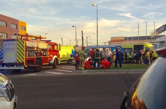 Tres heridos en una colisión entre dos coches en Argales