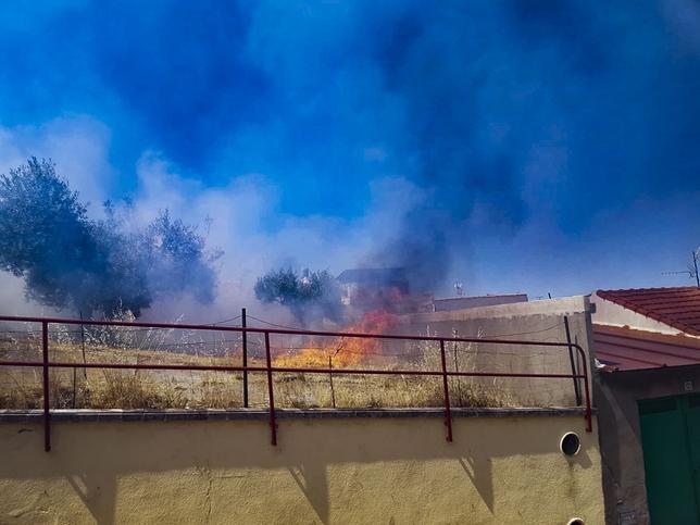 Evacuadas cuatro viviendas por un incendio en Puertollano