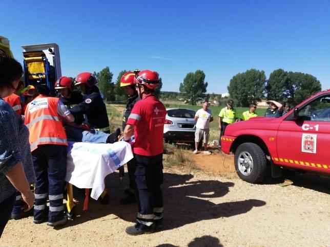 Herido grave tras ser arrollado por su propio coche