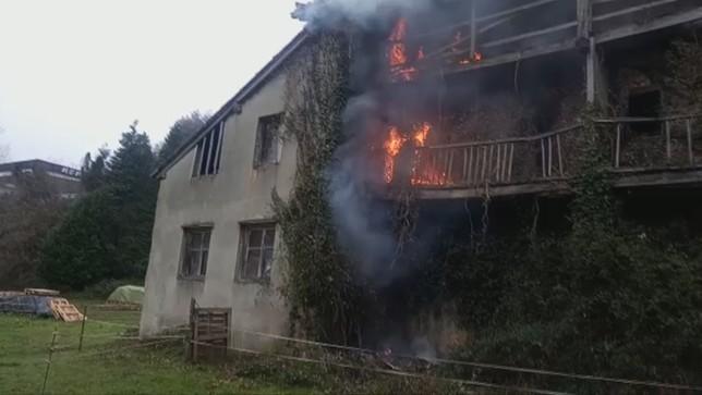 Un incendio acaba con un caserío en Bera Policía Foral