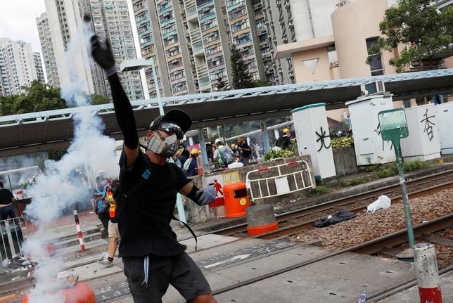 Hong Kong desafía al gobierno