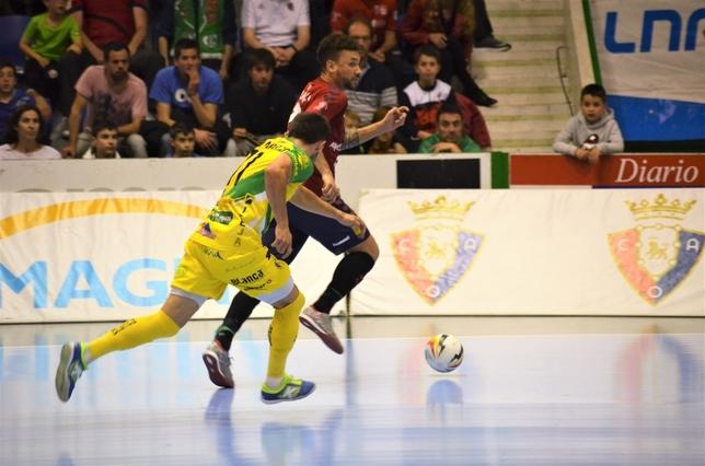 Araça se marcha de un rival en velocidad Asier Cotelo