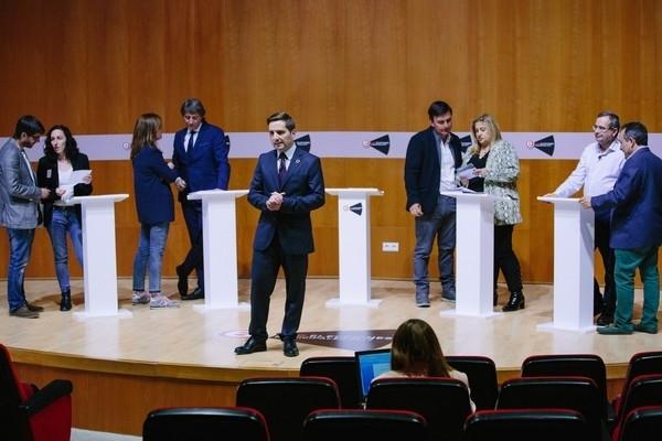 Un Debate municipal cargado de anécdotas