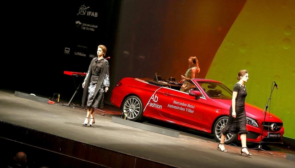 Felipe Varela se estrenó en Ab Fashion con una colección que no defraudó, propia de una reina.