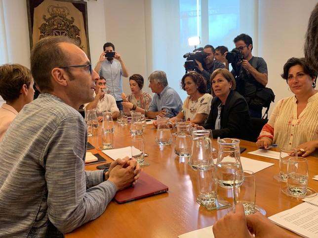 Chivite liderará un Gobierno de coalición a tres sin I-E