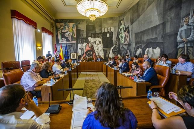 Unanimidad para dedicar 7,3 millones de euros en los pueblos