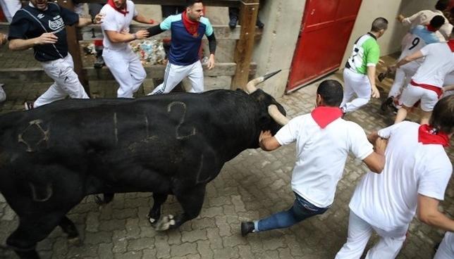 Los toros de Puerto de San Lorenzo abren los encierros 2019