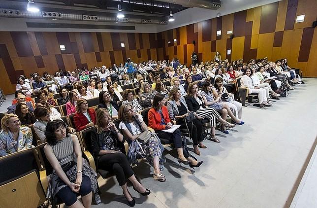 Murillo aboa por currículumciegos contra la desigualdad