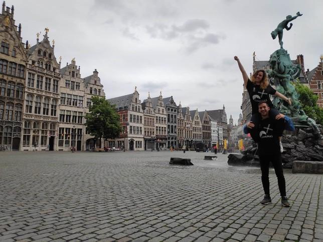 Dos camuñeros en la localidad belga de Amberes.