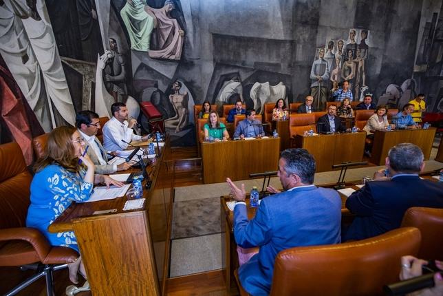 Despedida a una legislatura marcada por el acuerdo Rueda Villaverde