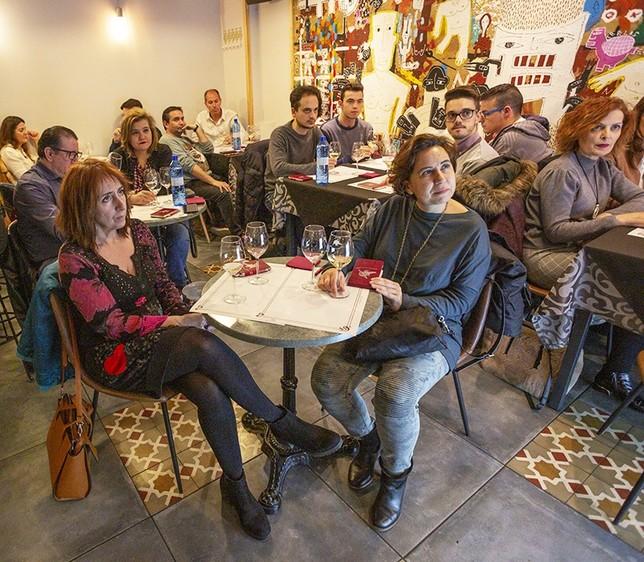 El vino marida mejor con  la juventud Tomás Fernández de Moya
