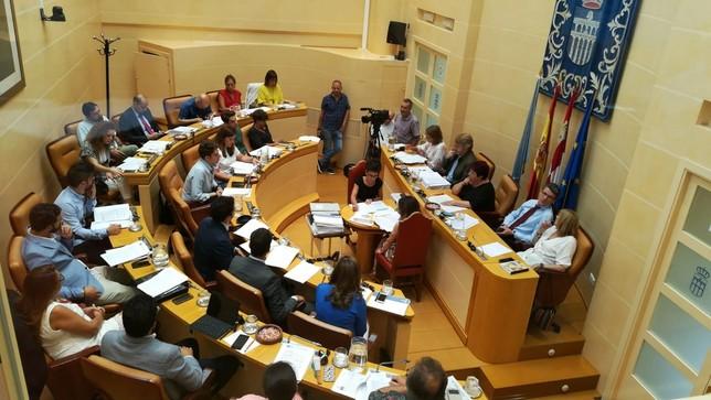 Imagen de archivo de un pleno ordinario del Ayuntamiento de Segovia.