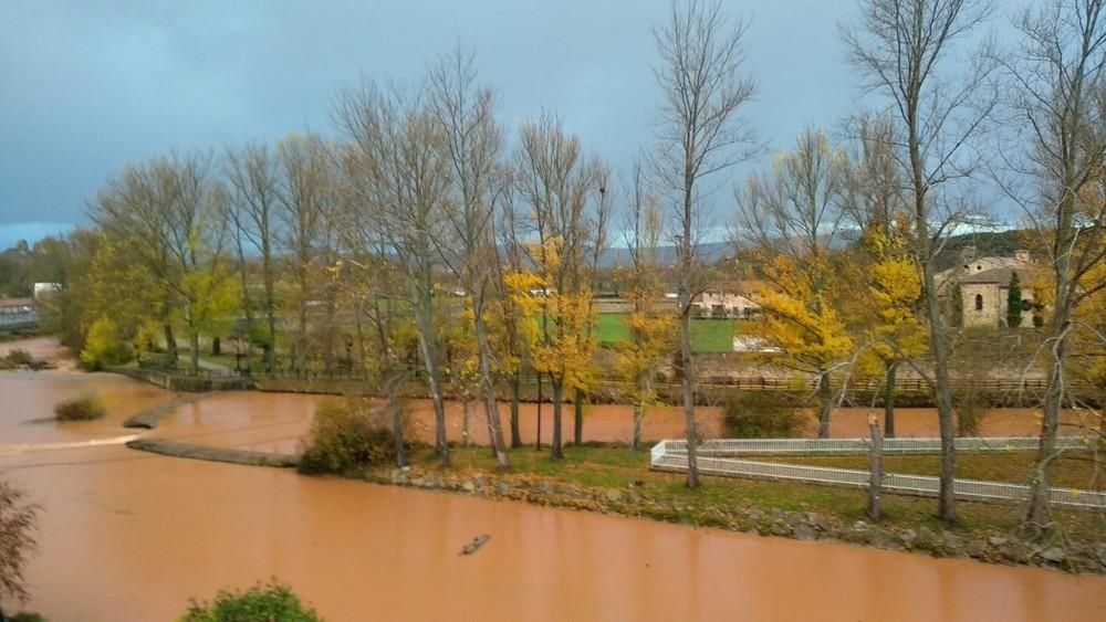 El deshielo y las lluvias desbordan el Rubagón y el Pisuerga