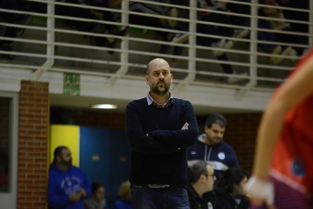 Aitor Alonso, pensativo en un partido anterior. Iñaki Martínez