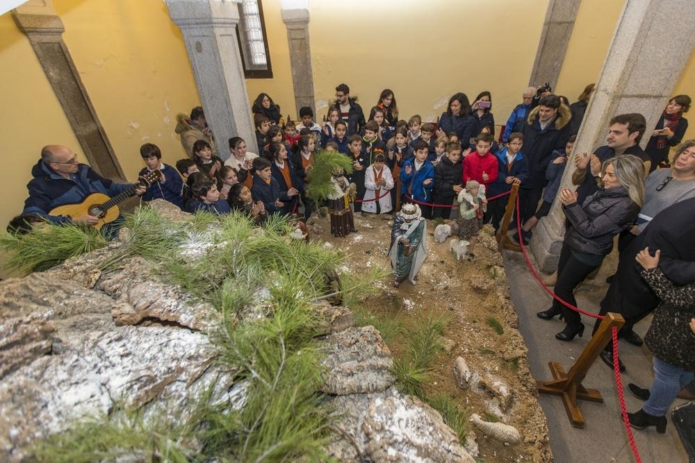Los estudiantes del 'Divina Pastora' cantaron 'Campana sobre campana' y 'El chiquirritín', entre otros.
