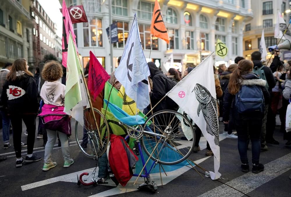 Cortan la Gran Vía como protesta contra el cambio climático
