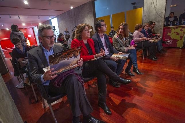 90 presentaciones para darse a conocer al mundo Tomás Fernández de Moya