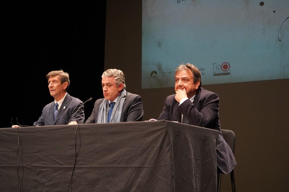 Desde la izquierda, Rafael Cantalejo, José María Bravo y Juan Manuel Moreno