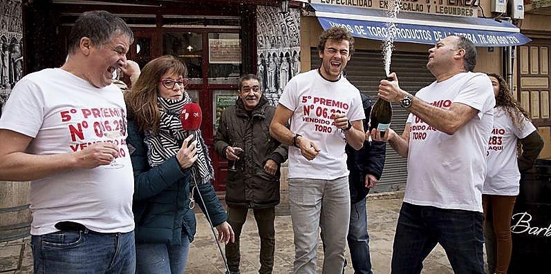 Vecinos de Toro (Zamora) agraciados con un quinto premio.