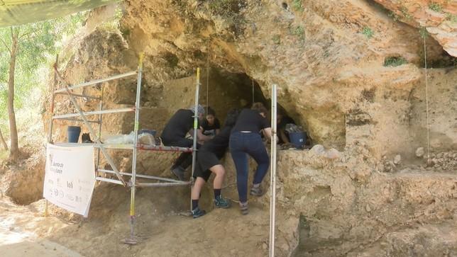 El curso de verano de la UNED, tras la huella neandertal