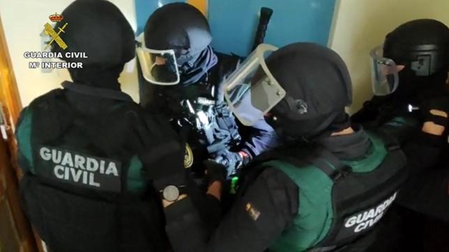 Liberada una menor de Olmedo tras secuestrarla su novio Guardia Civil