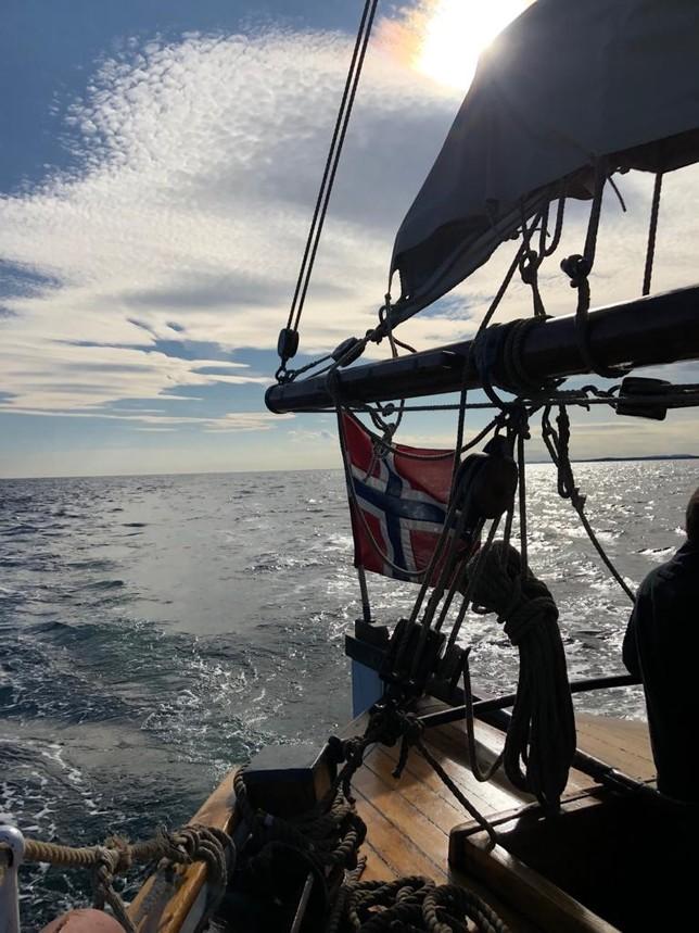 Surcando el Mar del Norte en un velero del siglo XIX