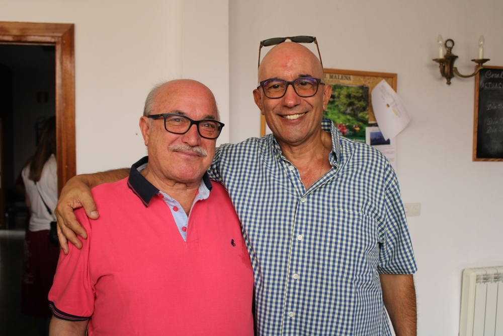 Jesús Gabaldón, encargado de prender el 'cobete', y Manuel Martínez, pregonero de las fiestas de este año.