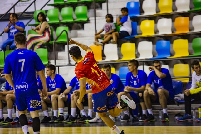 España golpea primero contra Eslovaquia