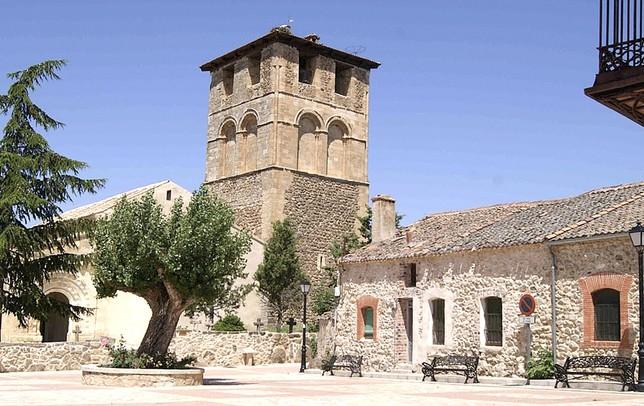 Sotosalbos presume de su iglesia románica, una de las más bellas de la provincia de Segovia.