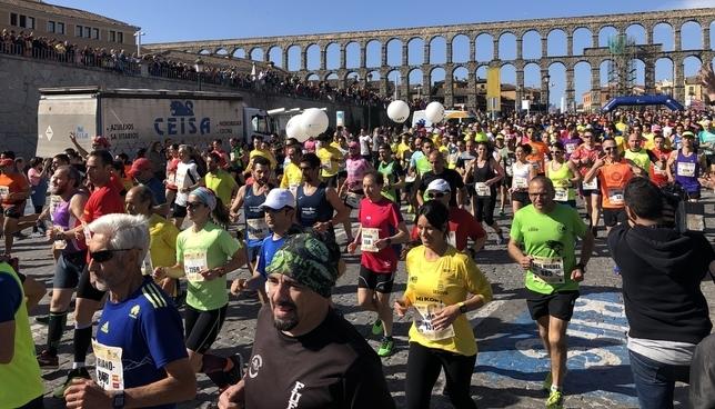 Sergio Sánchez y Mónica Gutiérrez ganan la Media Maratón