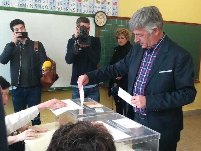 El candidato de Geroa Bai, de los más madrugadores en votar