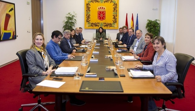 Constituida la Comisión Permanente del Parlamento de Navarra
