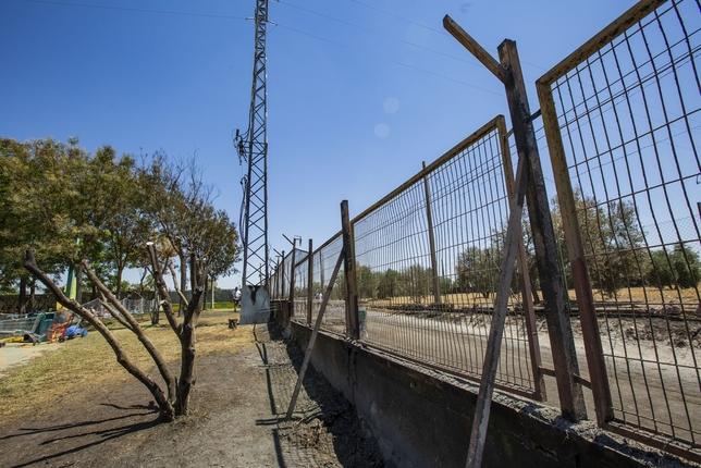 Playa Park abre al público y la Policía investiga el origen