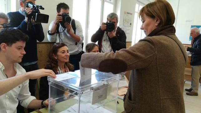 Barkos vota con el ánimo de obtener representante en Madrid