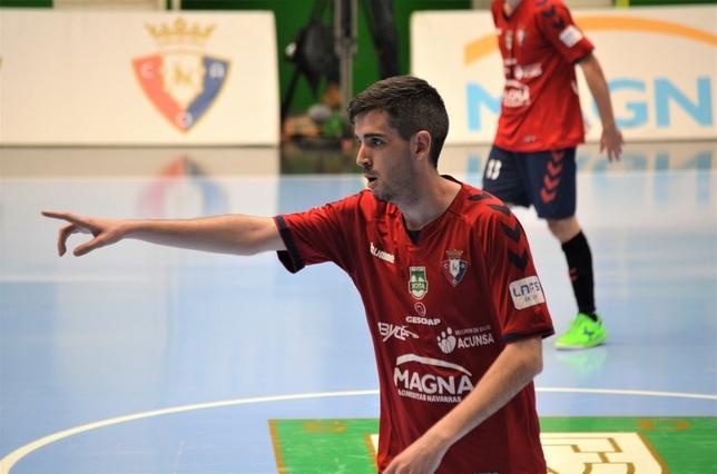 Adri Ortego fue el autor de los dos primeros goles de Osasuna Magna Asier Cotelo