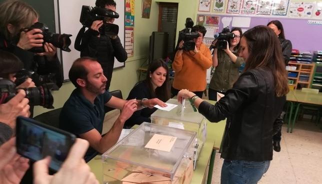 Ione Belarra vota apelando a la mayoría progresista