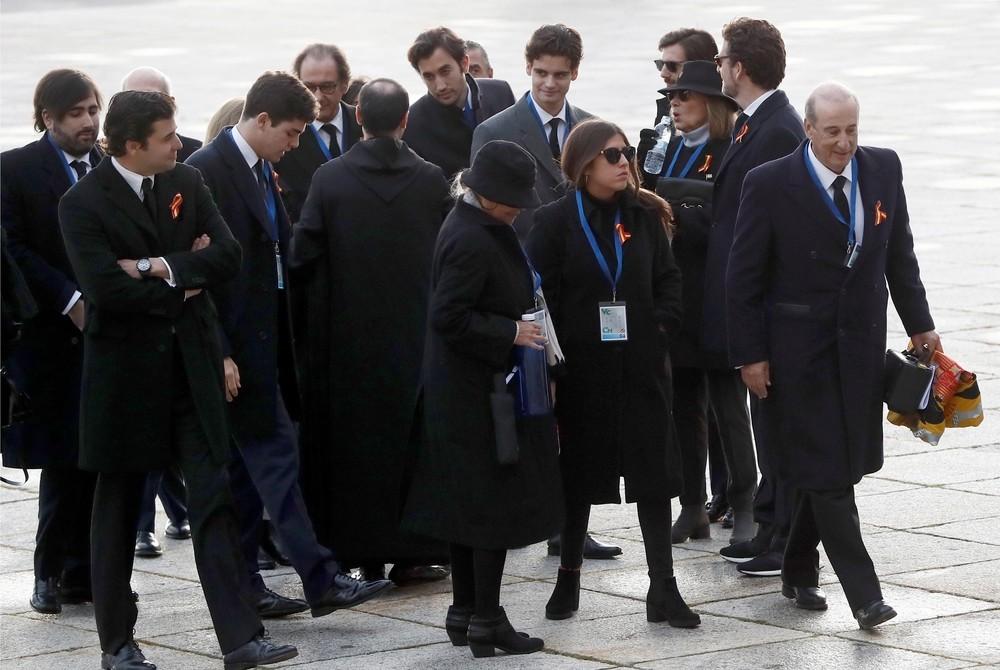 Los familiares de Franco acceden a la Basílica