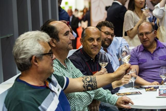 La DO Valdepeñas tira de teatro para promocionar sus vinos