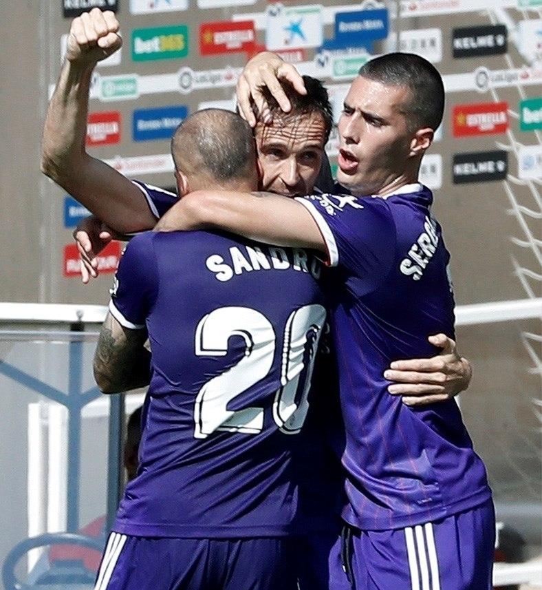 El Valladolid hunde al Espanyol