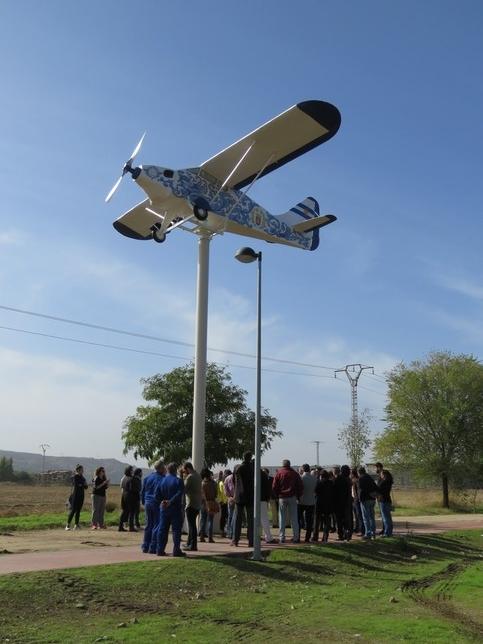 La Junta pide retirar y desmantelar la avioneta de Harinera