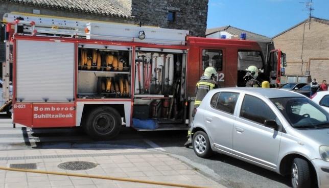 Un incendio paraliza media hora las votaciones en Zizur Cedida