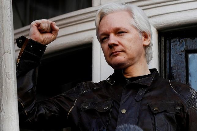 Suecia reabre la investigación contra Assange por violación Peter Nicholls