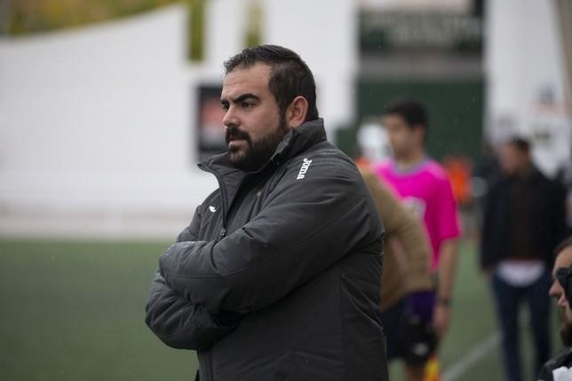 Carlos Calzada, técnico del Mora CF Yolanda Redondo