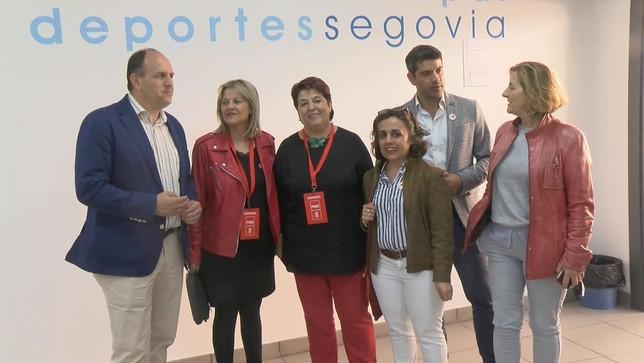 Los miembros de las candidaturas del PSOE con la alcaldesa Lorenzo Aragoneses