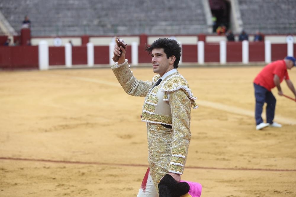 López Simón, con su oreja.