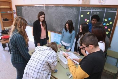 Alumnos vallisoletanos diseñan un bastón GPS  para ciegos