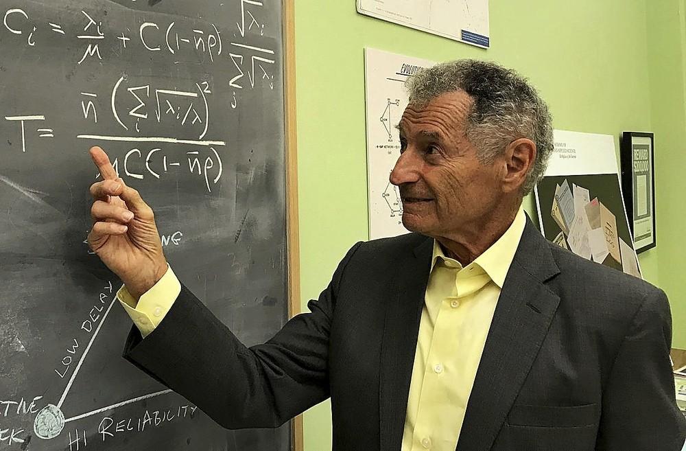 Kleinrock estaba al frente de un laboratorio científico en la Universidad de California ese octubre de 1969.