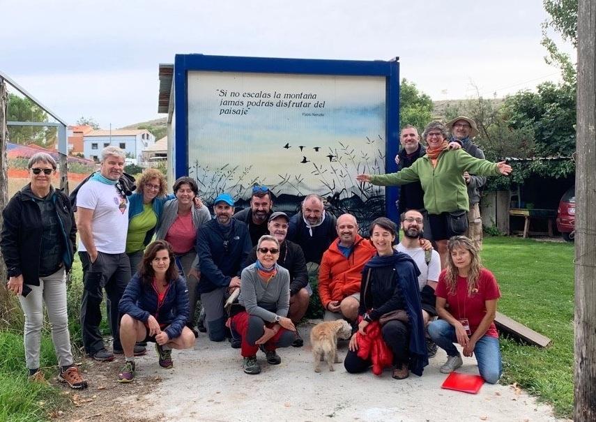 El grupo de senderismo del COGAM, uno de los colectivos LGTB más importantes de Madrid, estuvo en Tubilla del Lago.