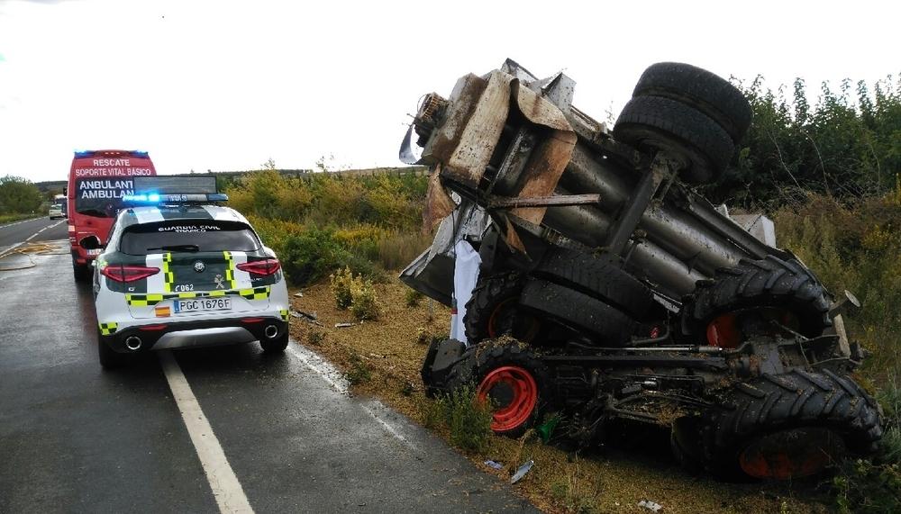Un fallecido tras chocar un tractor y un camión en Olite